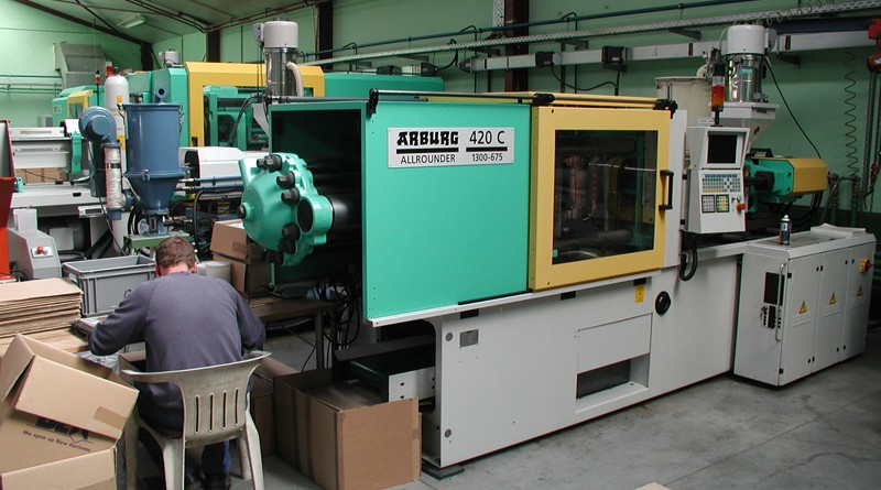 Le processus de fabrication des coffrets en plastique